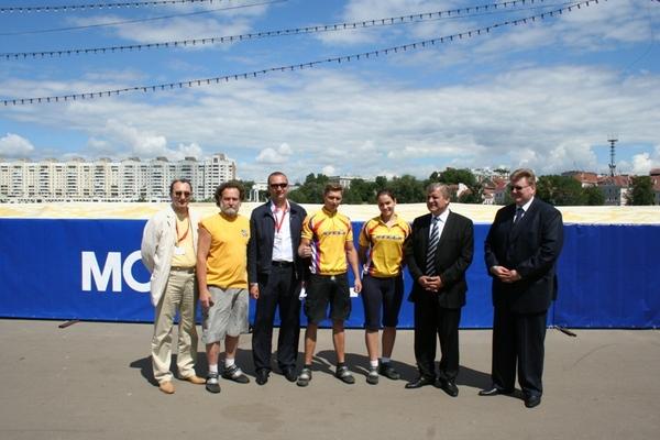6-й слева Невыглас Геннадий Николаевич – Глава Администрации Президента Беларуси.